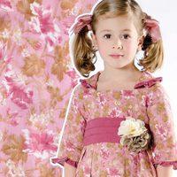 Vestido fucsia con flores de la colección 'Ceremonia' de Trasluz para este 2013