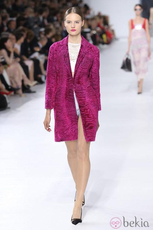 Abrigo fucsia de la colección crucero 2014 de Dior