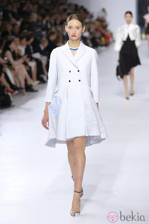 Abrigo blanco de la colección crucero 2014 de Dior