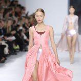 Vestido rosa de la colección crucero 2014 de Dior