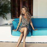 Doutzen Kroes con un vestido animal print de la colección primavera/verano 2013 de H&M