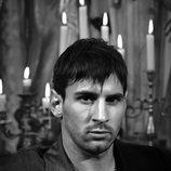Leo Messi posando con una camisa para Dolce & Gabbana