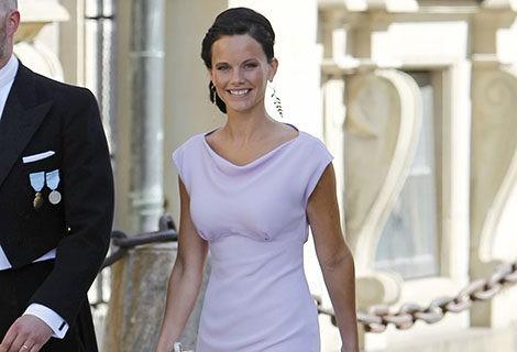 Sofia Hellqvist con un vestido malva en la boda de Magdalena de Suecia y Chris O'Neill