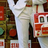 Bolso solidario 'Firehouse' inspirado en una central de bomberos de la nueva colección de Corttijos Housebags