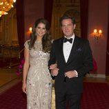 Chris O'Neill con un esmoquin negro en la cena de gala previa a su boda