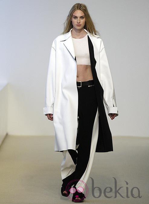 Abrigo oversized de la colección Resort 2014 de Calvin Klein