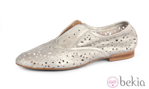 Zapatilla gris de la colección primavera/verano 2013 de Sixtyseven