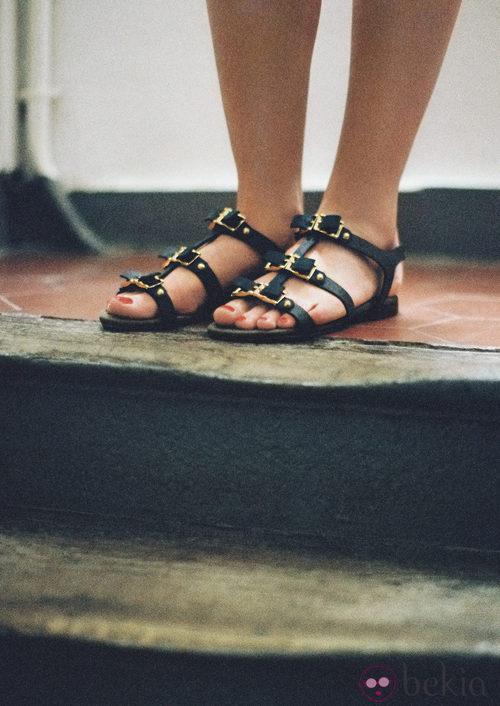 Sandalias romanas de la colección de Susan Ibrahim para '& Other Stories'