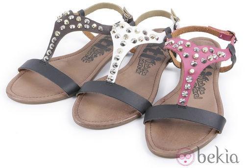 Sandalias con tachuelas de la colección 'Innovación' primavera/verano 2013 de XTI