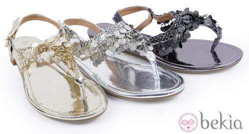Sandalias con adornos de la colección 'Innovación' primavera/verano 2013 de XTI