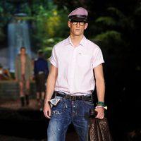 Camisa blanca de la colección primavera/verano 2014 de DSquared2 en la Semana de la Moda de Milán