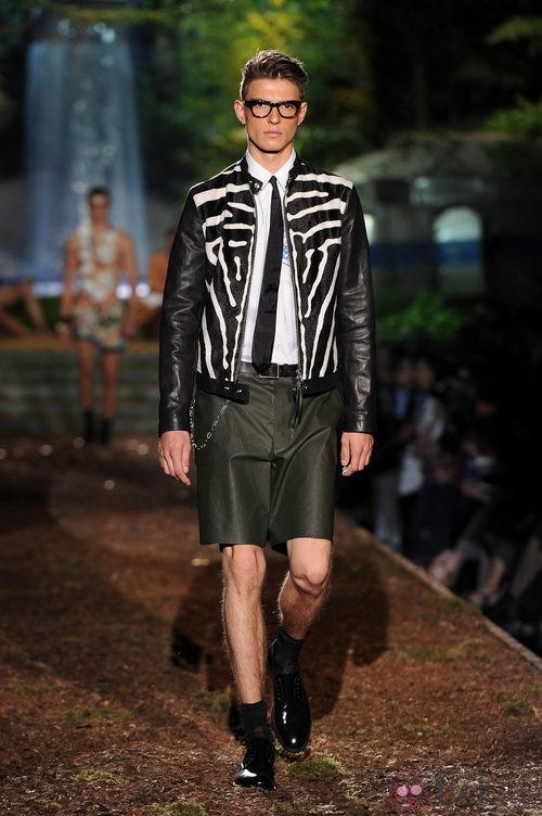Chaqueta print de la colección primavera/verano 2014 de DSquared2 en la Semana de la Moda de Milán