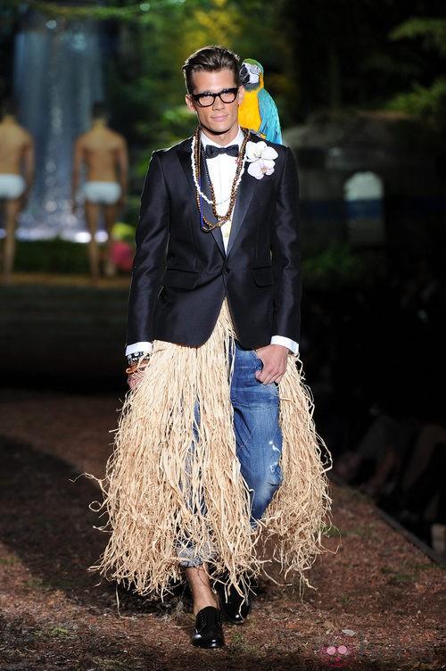 Chaqueta negra de la colección primavera/verano 2014 de DSquared2 en la Semana de la Moda de Milán