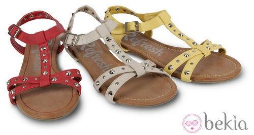 Sandalias con tachuelas de la colección primavera/verano 2013 de Refresh