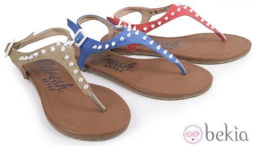 Sandalias con pinchos de la colección primavera/verano 2013 de Refresh