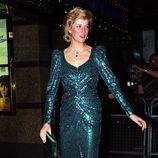 Lady Di con un vestido verde esmeralda de noche
