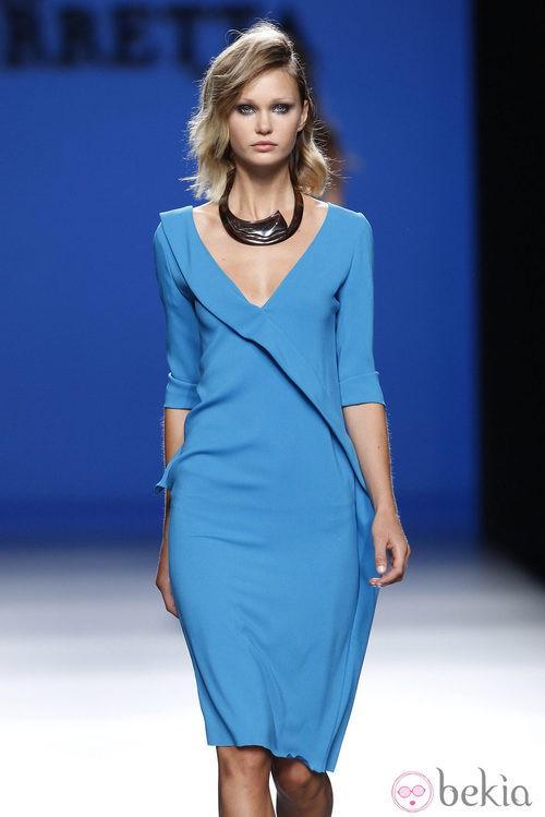 Vestido de manga francesa de la colección primavera/verano 2014 de Roberto Torretta en Madrid Fashion Week