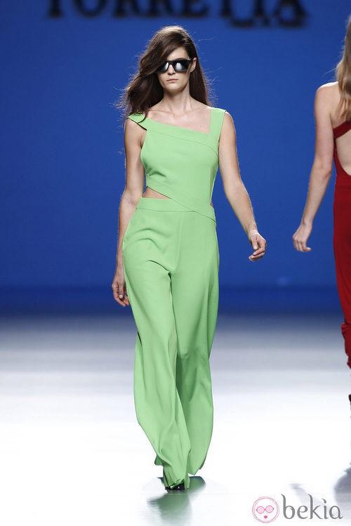 Jumpsuit verde de la colección primavera/verano 2014 de Roberto Torretta en Madrid Fashion Week