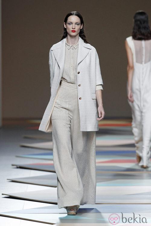 Pantalón de pata elefante de la colección primavera/verano 2014 de Ailanto en Madrid Fashion Week