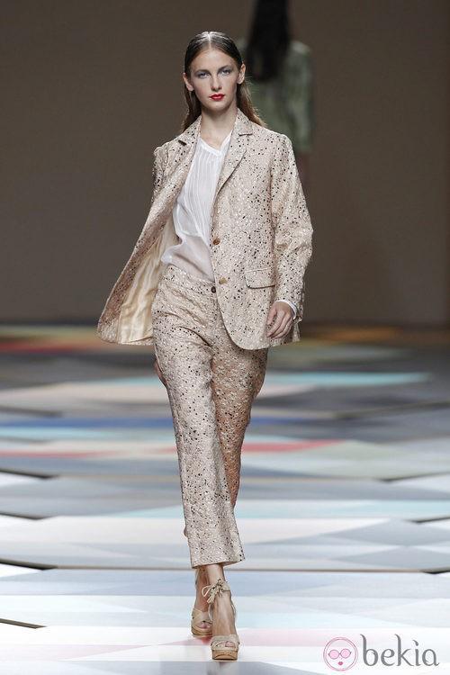 Pantalones capri de la colección primavera/verano 2014 de Ailanto en Madrid Fashion Week