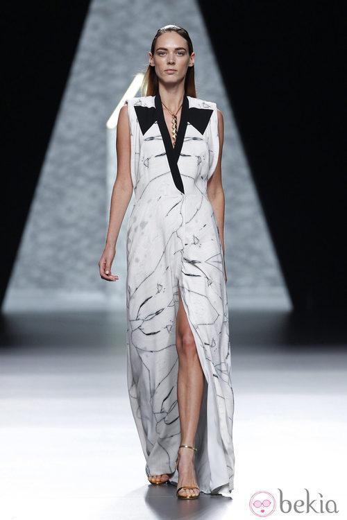 Vestido estampado de la colección primavera/verano 2014 de Ana Locking en Madrid Fashion Week