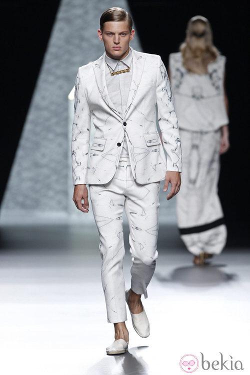 Traje con estampado de la colección primavera/verano 2014 de Ana Locking en Madrid Fashion Week