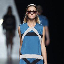 Vestido azul de la colección primavera/verano 2014 de Ana Locking en Madrid Fashion Week
