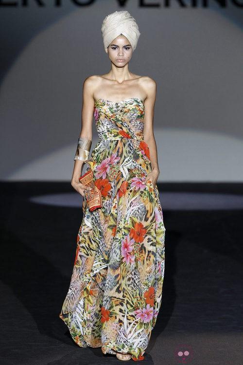Vestido largo con estampado de la colección primavera/verano 2014 de Roberto Verino en Madrid Fashion Week