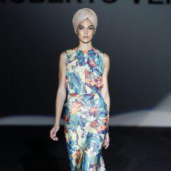 Vestido largo de la colección primavera/verano 2014 de Roberto Verino en Madrid Fashion Week