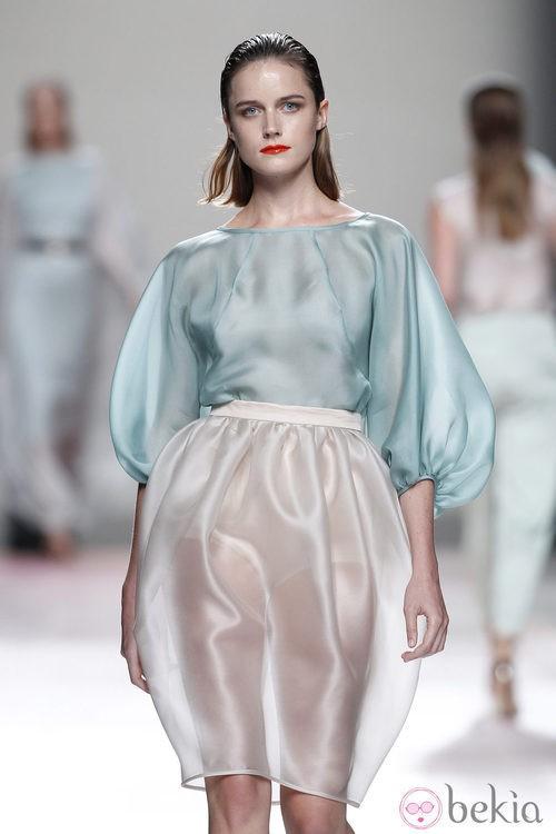 Falda y camisa de la colección primavera/verano 2014 de Duyos en Madrid Fashion Week
