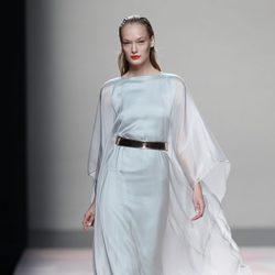 Vestido azul de la colección primavera/verano 2014 de Duyos en Madrid Fashion Week