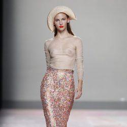 Falda de tubo de la colección primavera/verano 2014 de Duyos en Madrid Fashion Week