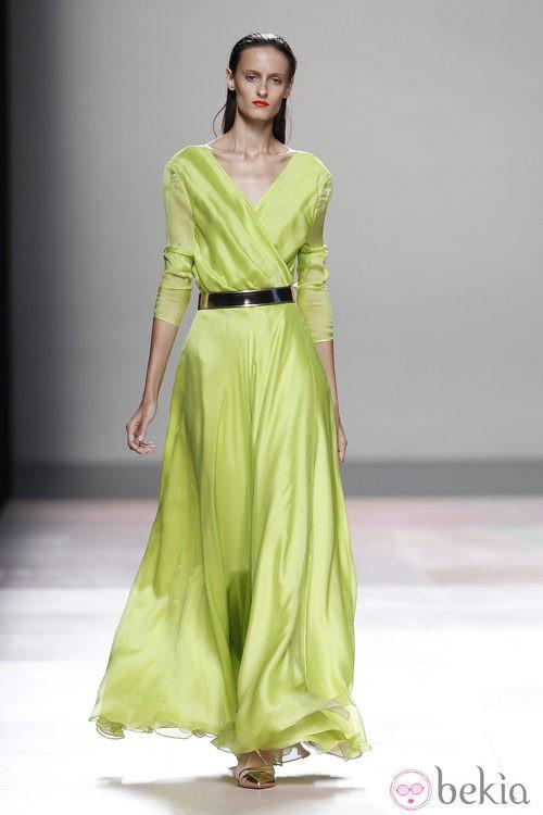 Vestido verde lima de la colección primavera/verano 2014 de Duyos en Madrid Fashion Week