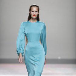 Vestido azul turquesa de la colección primavera/verano 2014 de Duyos en Madrid Fashion Week