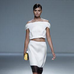 Falda de tubo de la colección primavera/verano 2014 de Victorio&Lucchino en Madrid Fashion Week