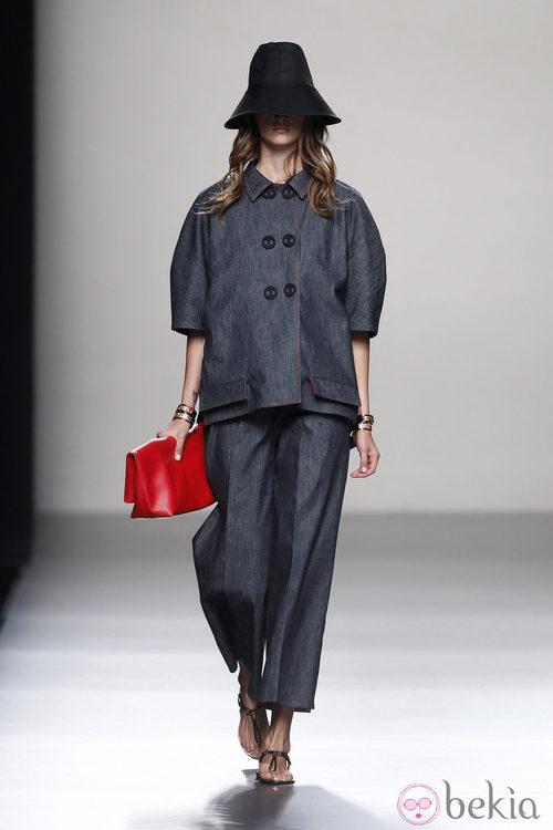 Look denim de la colección primavera/verano 2014 de Juanjo Oliva en Madrid Fashion Week