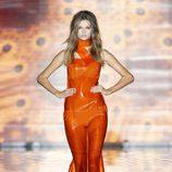 Vestido y biquini naranjas de la colección primavera/verano 2014 de Andrés Sardá en Madrid Fashion Week