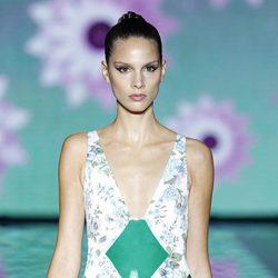 Bañador con detalles plásticos de la colección primavera/verano 2014 de Andrés Sardá en Madrid Fashion Week