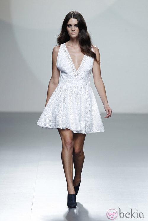 Vestido línea A de la colección primavera/verano 2014 de Teresa Helbig en Madrid Fashion Week