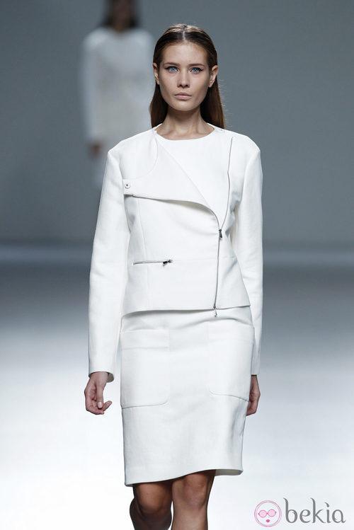 Total look de la colección primavera/verano 2014 de Ángel Schlesser en Madrid Fashion Week
