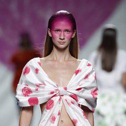 Camiseta lazo de la colección primavera/verano 2014 de Ágatha Ruiz de la Prada en Madrid Fashion Week