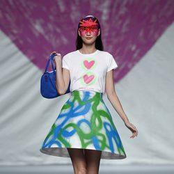Falda con forma de cono de la colección primavera/verano 2014 de Ágatha Ruiz de la Prada en Madrid Fashion Week