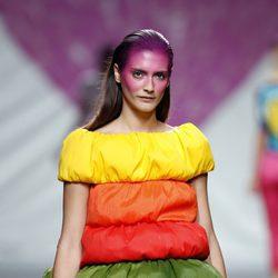 Vestido varios niveles de la colección primavera/verano 2014 de Ágatha Ruiz de la Prada en Madrid Fashion Week