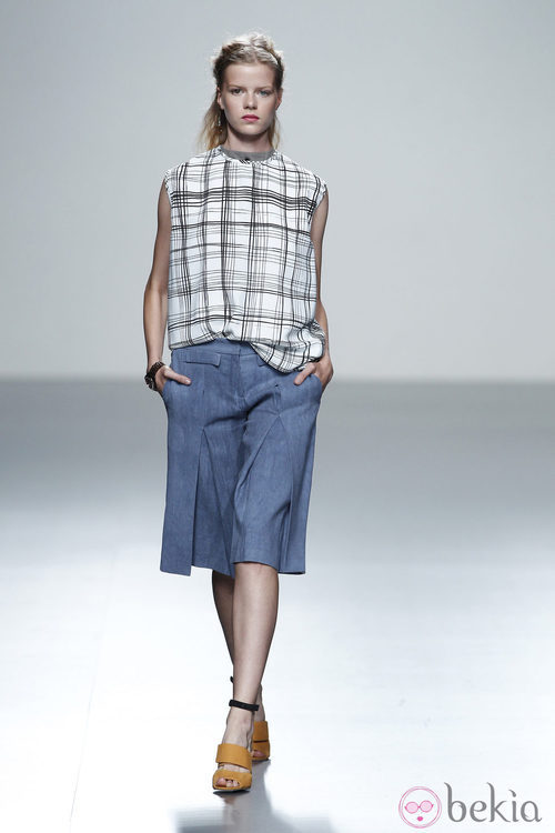 Camiseta de cuadros de la colección primavera/verano 2014 de Rabaneda en Madrid Fashion Week
