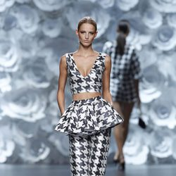 Top y pantalón de la colección primavera/verano 2014 de Juana Martín en Madrid Fashion Week