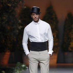 Look camisa y pantalón de la colección primavera/verano 2014 de Ion Fiz en Madrid Fashion Week
