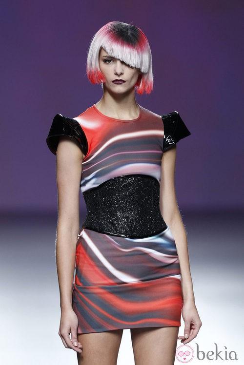 Vestido estampado de la colección primavera/verano 2014 de Maya Hansen en Madrid Fashion Week