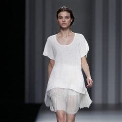 Vestido con tul de seda de la colección primavera/verano 2014 de Sita Murt en Madrid Fashion Week