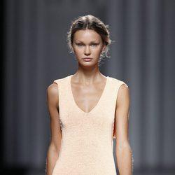 Vestido de punto de la colección primavera/verano 2014 de Sita Murt en Madrid Fashion Week