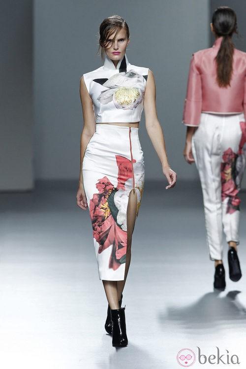 Falda larga con estampado floral de la colección Juan Vidal primavera/verano 2014 en Madrid Fashion Week